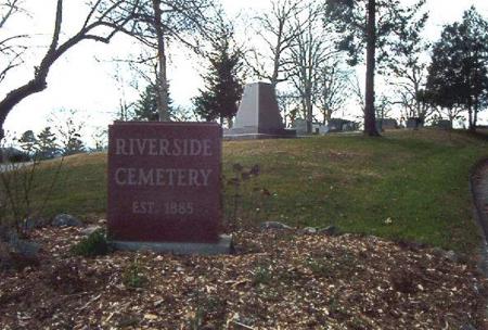 Riverside Cemetery - Photo